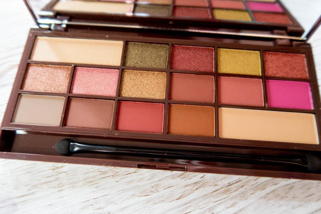 win an autumn makeup bundle