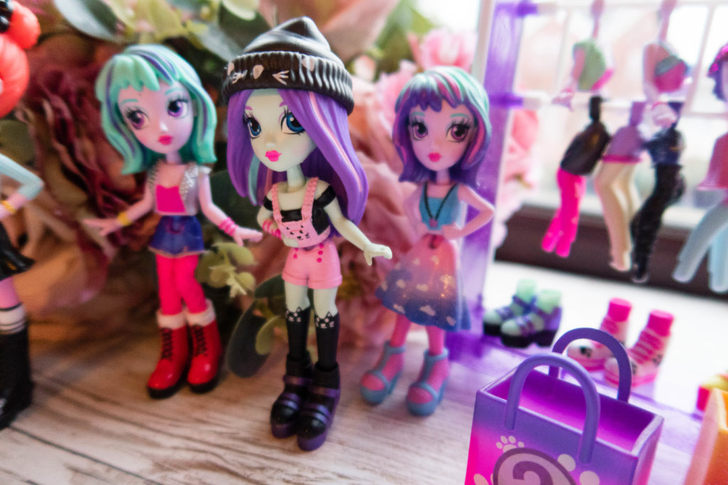 Off The Hook Style Dolls and accessories