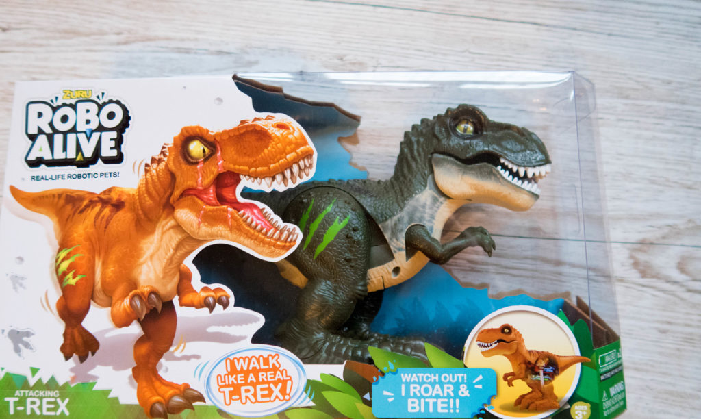 5 Surprise Series 2 bundle, close up of Robo Alive T-Rex