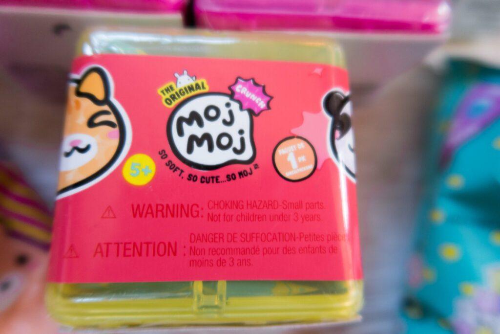 Moj Moj Blind box in salmon pink and yellow