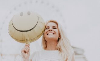 5 Easy Ways to Bring Life to Your Face