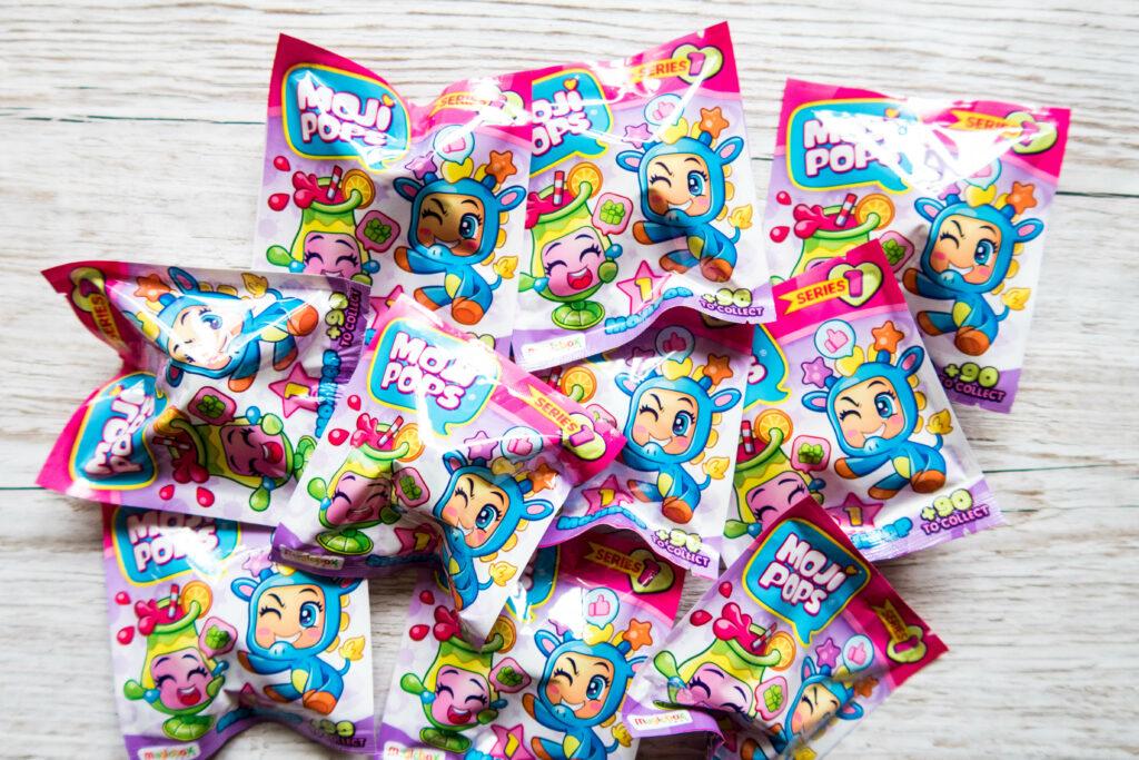 Moji pops singles in their packaging, huge pile!