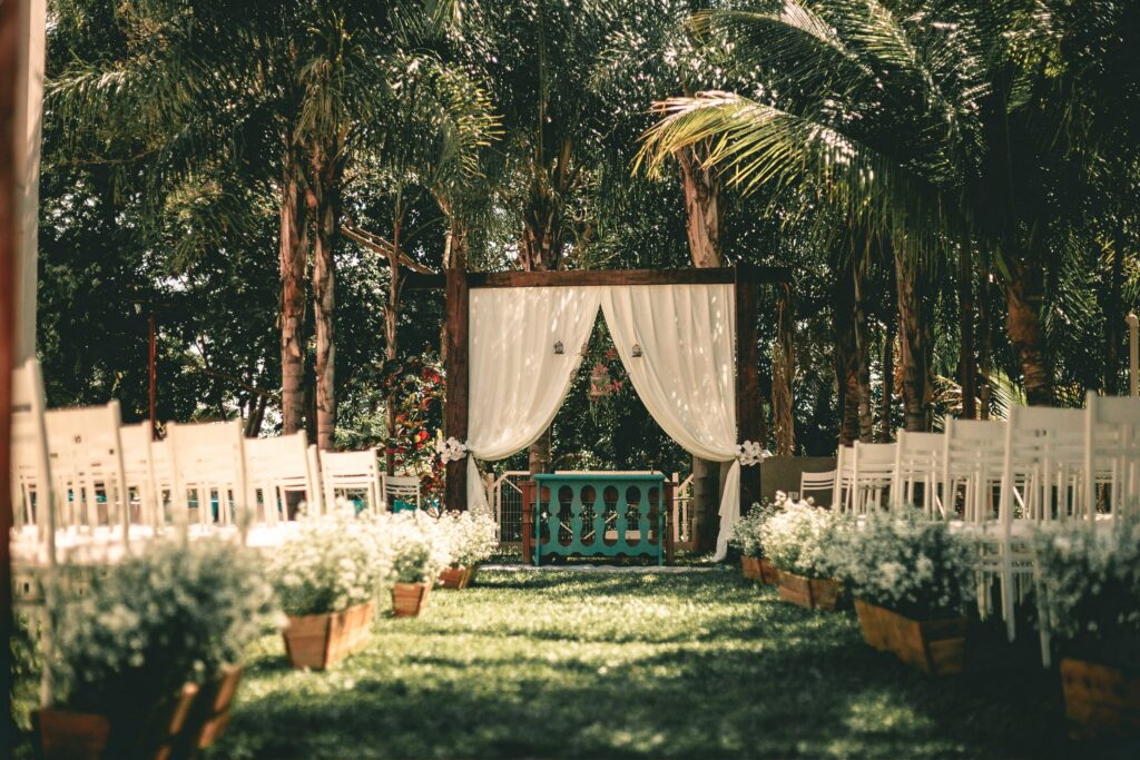Take The Stress Out Of Choosing A Wedding Guest List