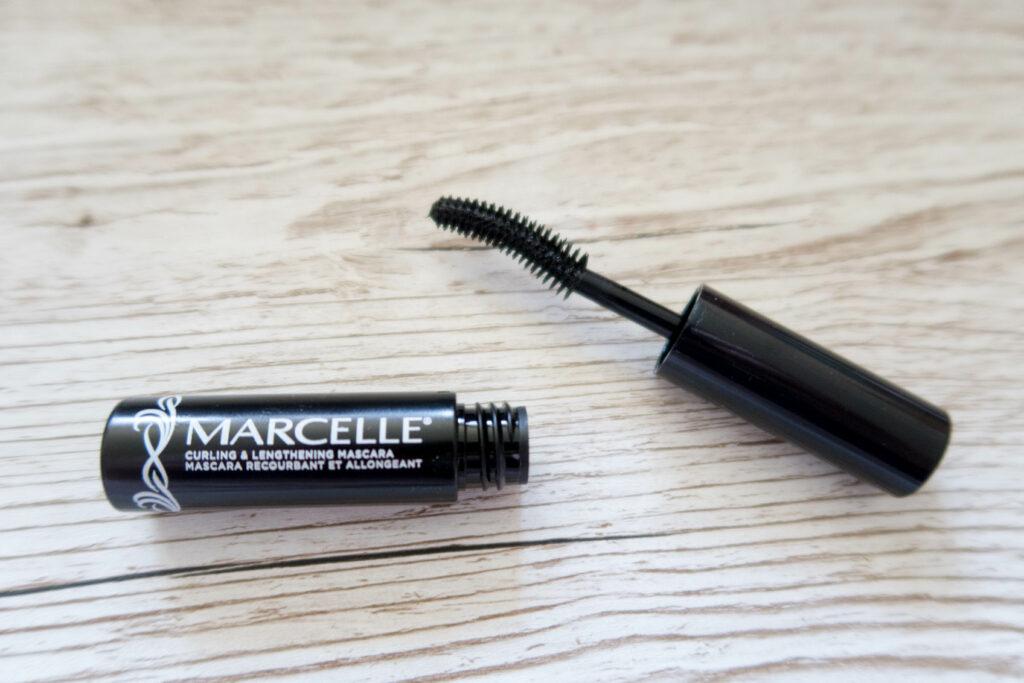 Close up mascara