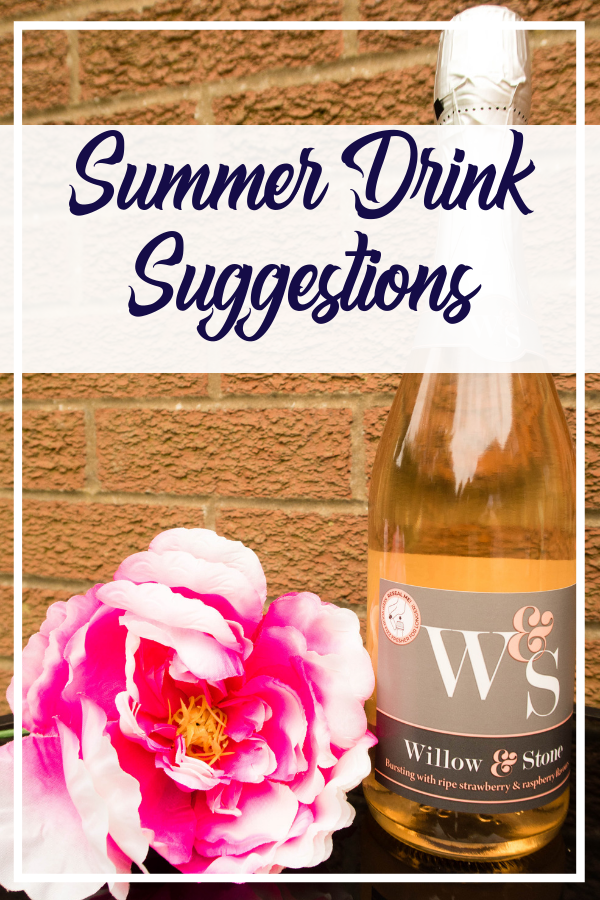 Tasty drink suggestions for summer evenings. Alcoholic drinks that go down easily in the summer. #drinks #wine #gin