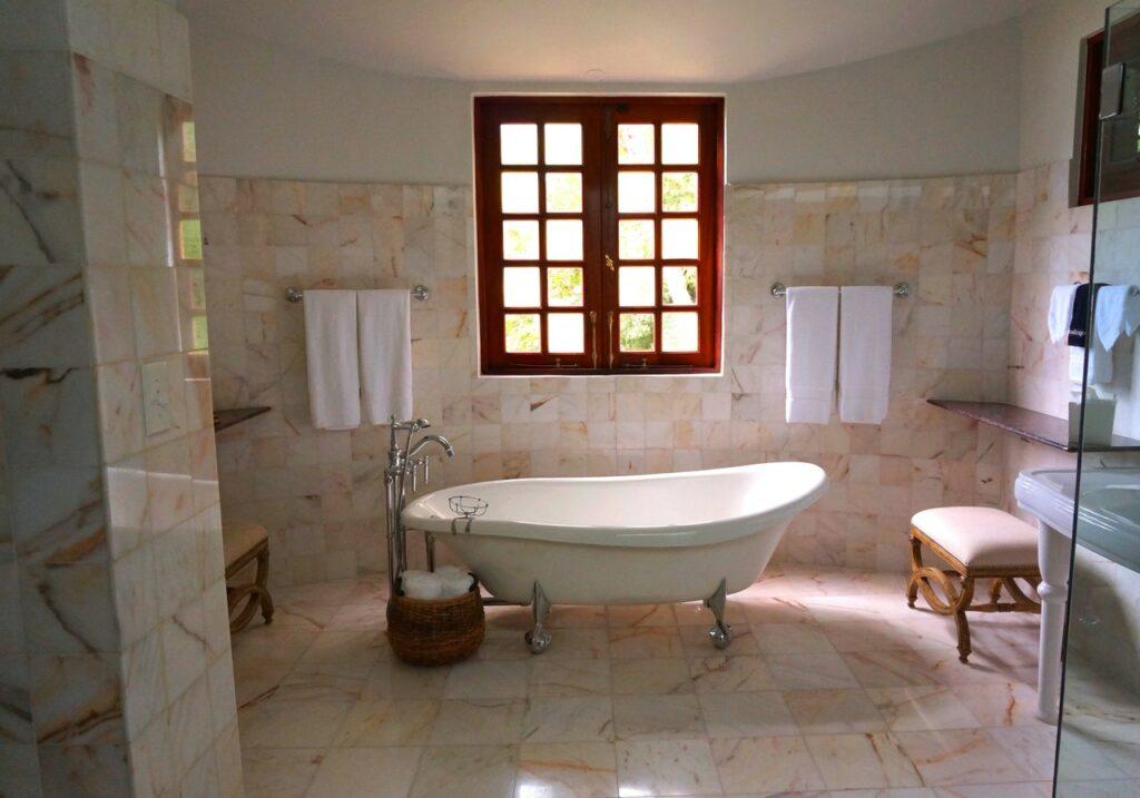 Eco-Friendly Ways To Clean Your Bathroom
