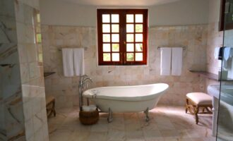 Eco-Friendly Ways To Clean Your Bathroom
