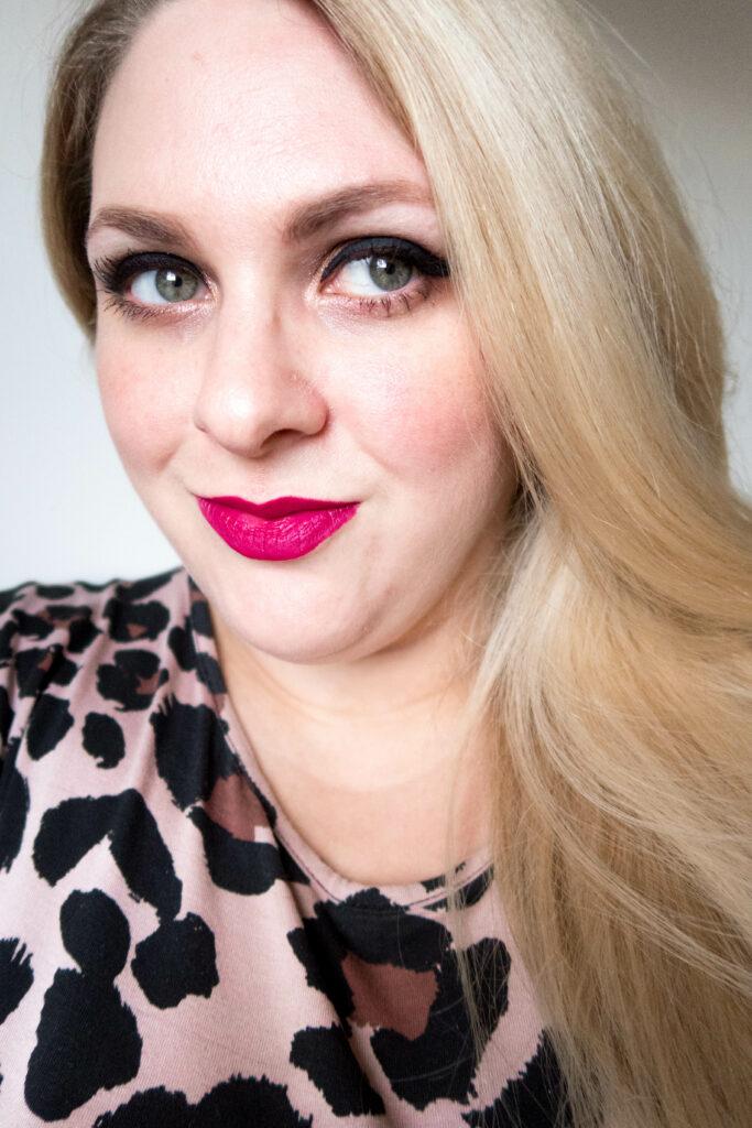 vamped up glow topshop makeup review